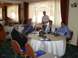 Participanti in cadrul unui seminar adresat primarilor de orase